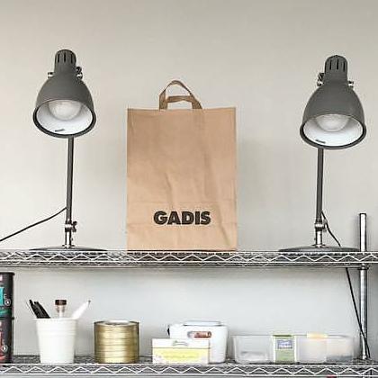 Bolsas de papel para realizar la compra en Gadis