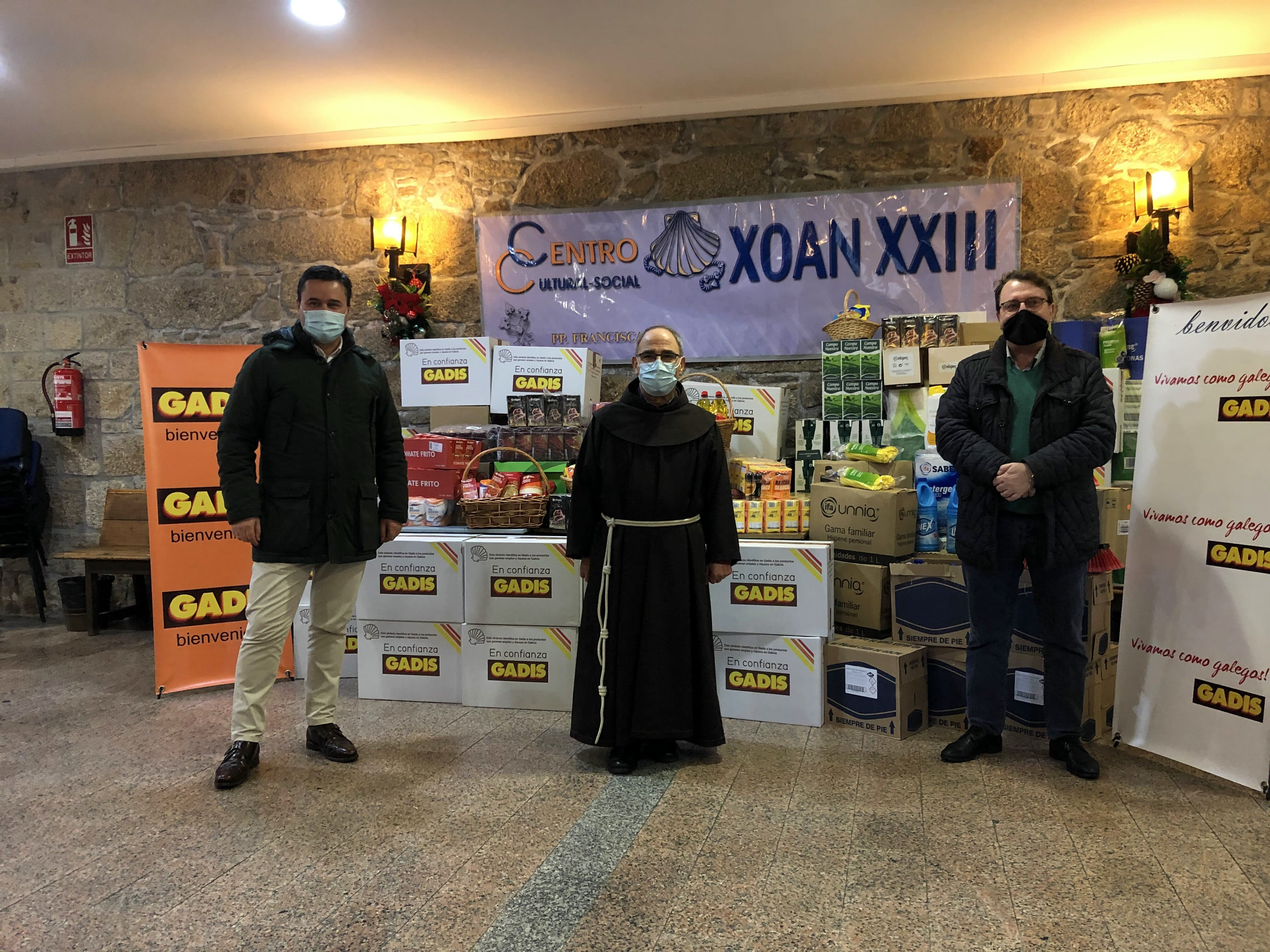 DOAMOS 850 KG DE PRODUTOS AO ALBERGUE XOÁN  XXIII